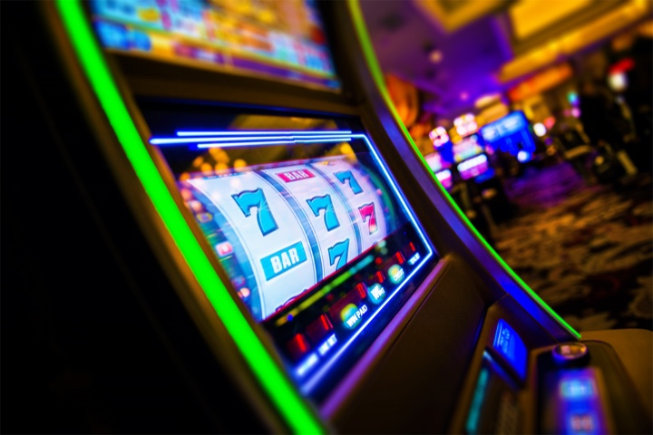 Green light slot machine at Red Casino location at Grand Oasis Cancun Hotel