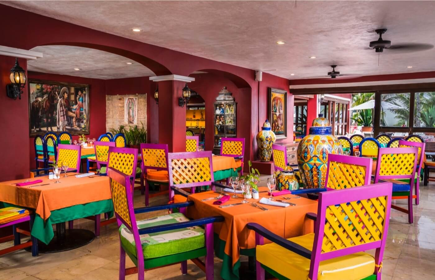 Inside view of Scirocco Sport Bar Diner Restaurant at Hotel Grand Oasis Cancun