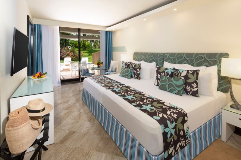Garden Terrace Room with King Size bed and beautiful view at Grand Oasis Hotel Cancun