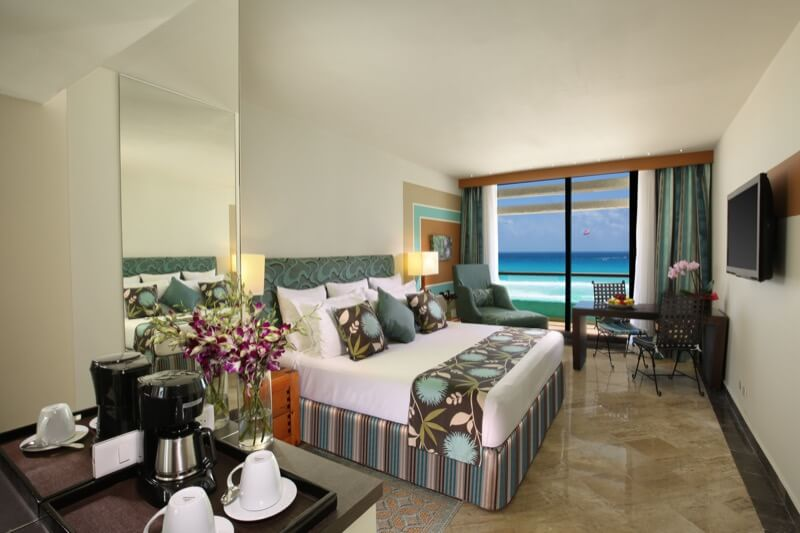 Ocean View Room with King Size bed and beautiful view at Grand Oasis Hotel Cancun