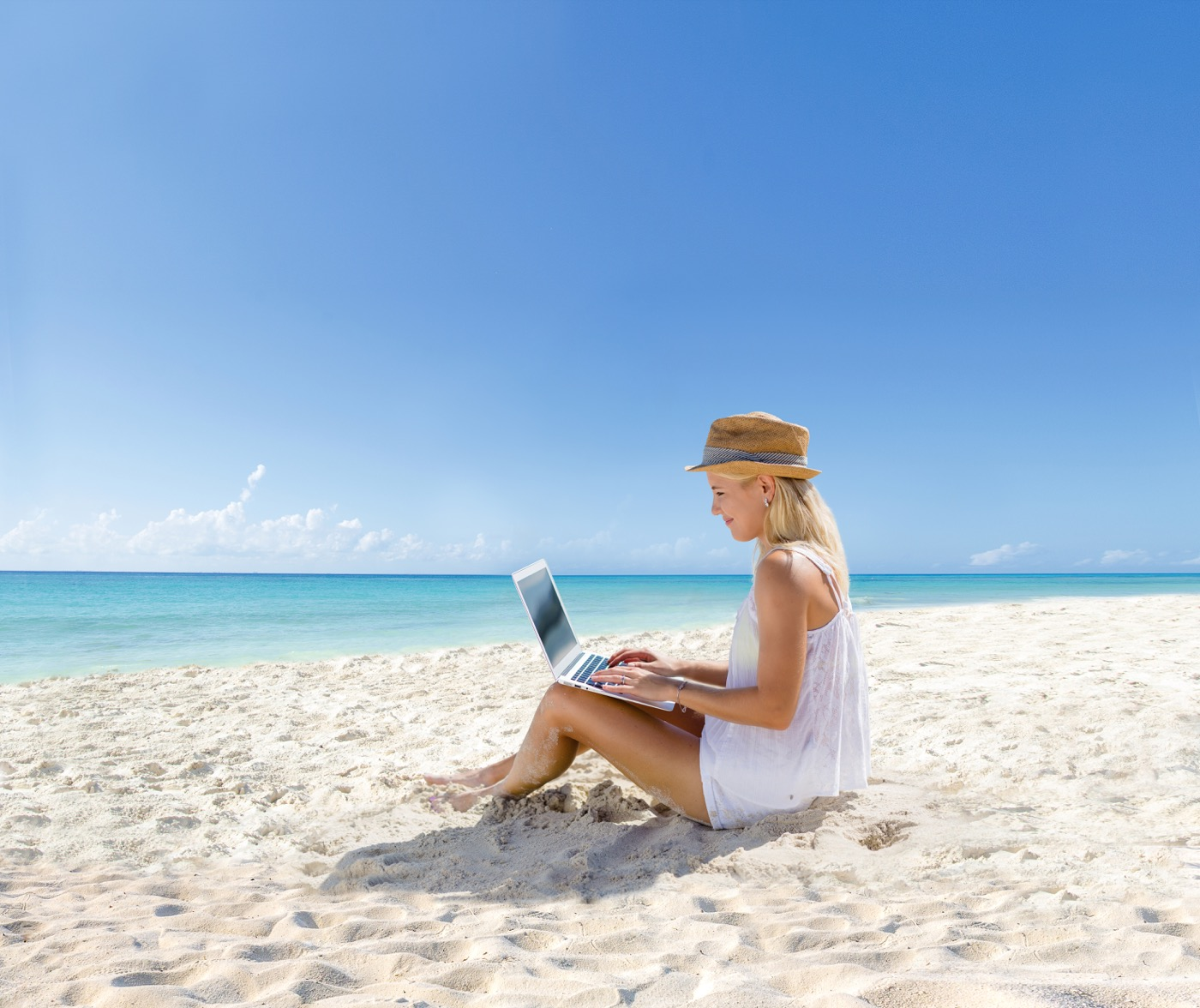 Trabajo de oficina desde la playa en Hotel Oh! Cancun On The Beach