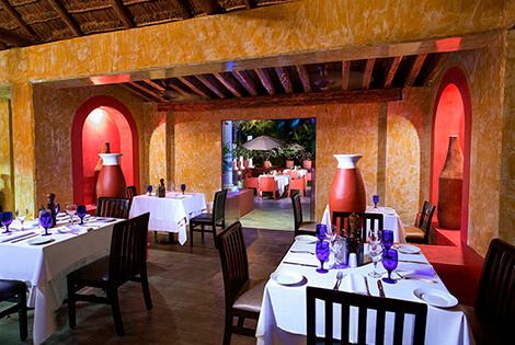 Cover image of a sample of the restaurant Dos lunas Restaurant