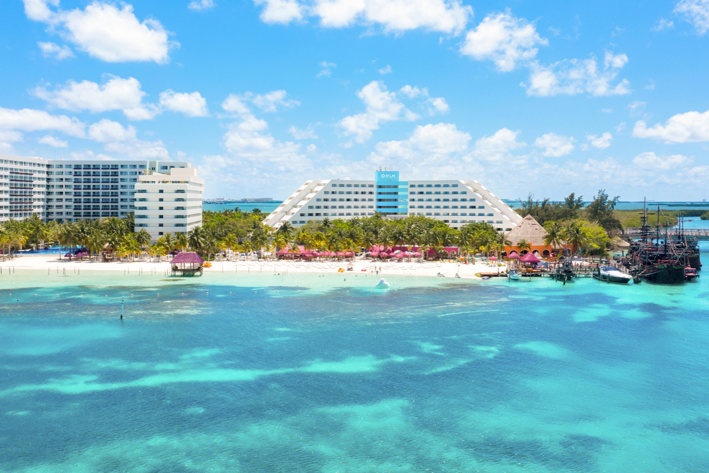 Hoteles en Cancún · Todo Incluido en · Oasis Hotels & Resorts