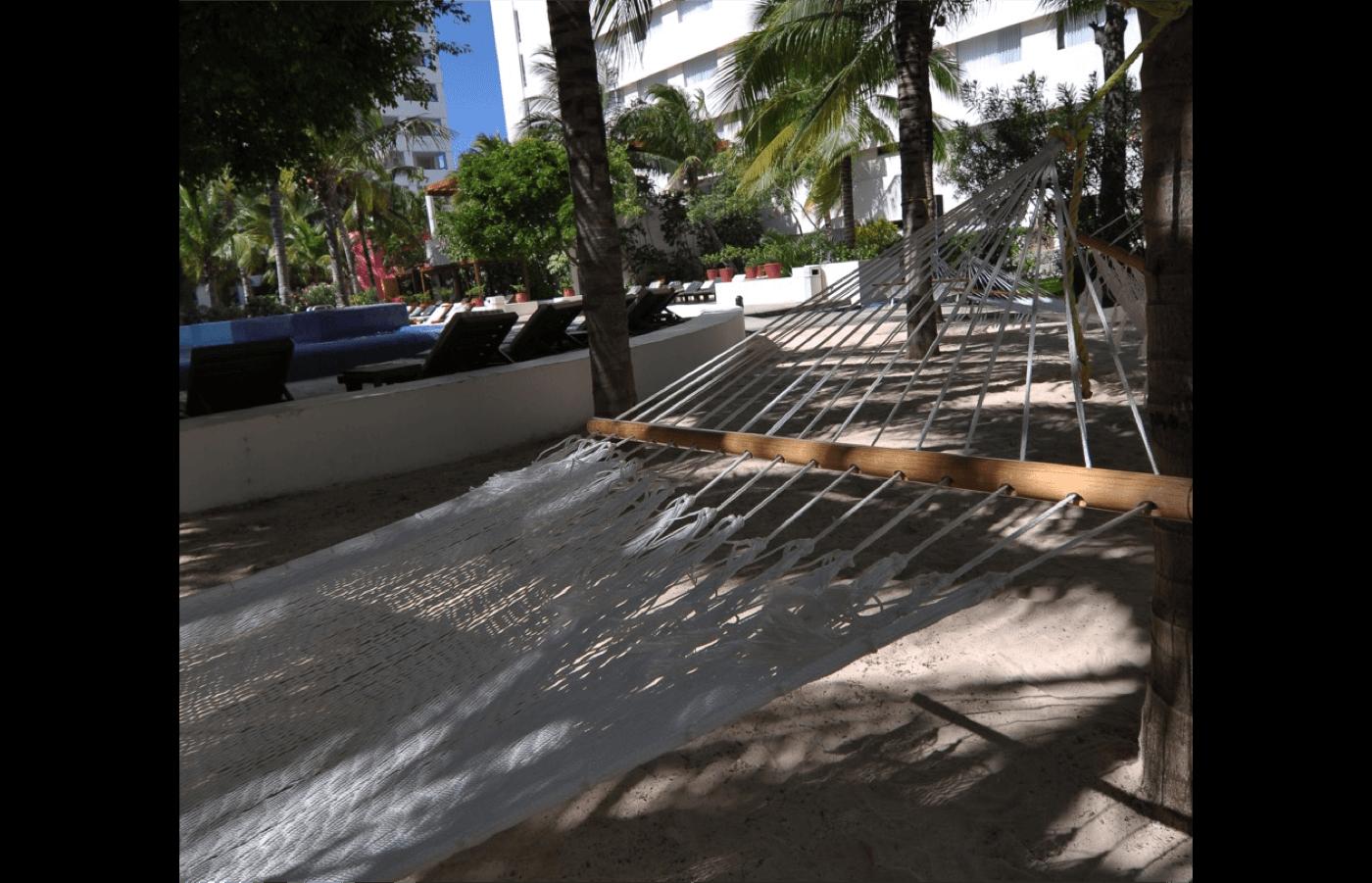 Habitación Vista al Mar con cama King Size en Hotel Grand Oasis Palm