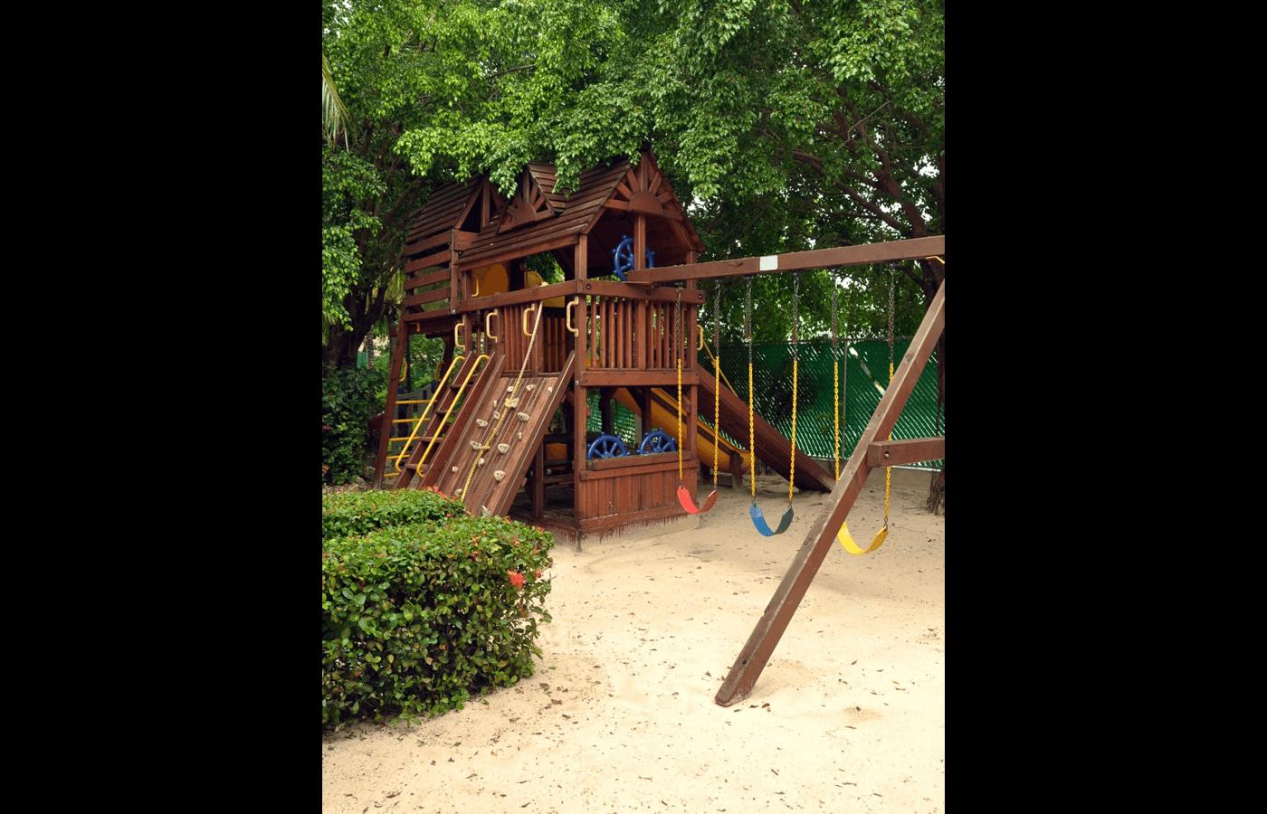 Área de recreación en KiddoZone en Hotel Grand Oasis Palm