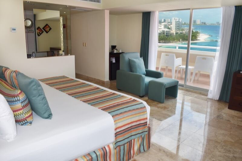 Ocean view room with two double beds and beautiful view in Oasis Palm Hotel