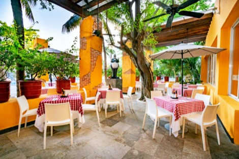 Cover image of a sample of the restaurant Dos lunas Restaurant