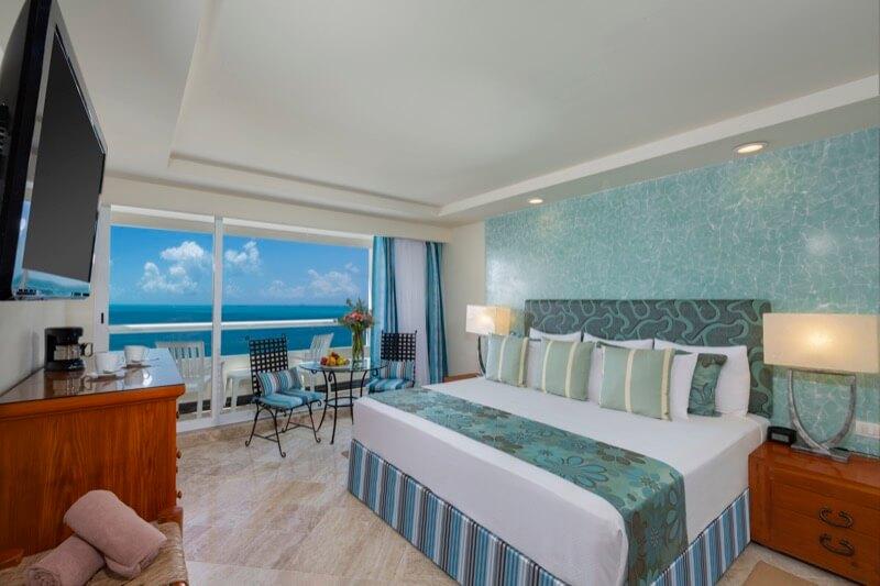 Habitación Ocean View con cama King Size en Hotel Grand Sens Cancun
