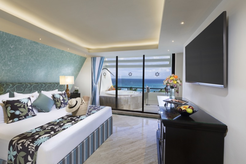 Junior Suite with King Size bed and beautiful view in Hotel The Sian Ka'an at Grand Sens