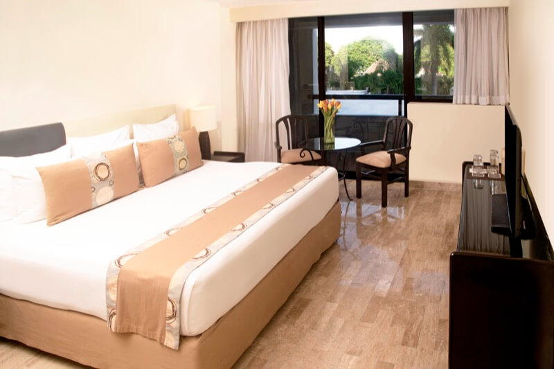 Standard room with two double beds and window with beautiful view in Smart Cancun by Oasis hotel